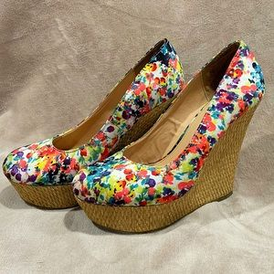 Floral wedge shoe, size 8 - great condition